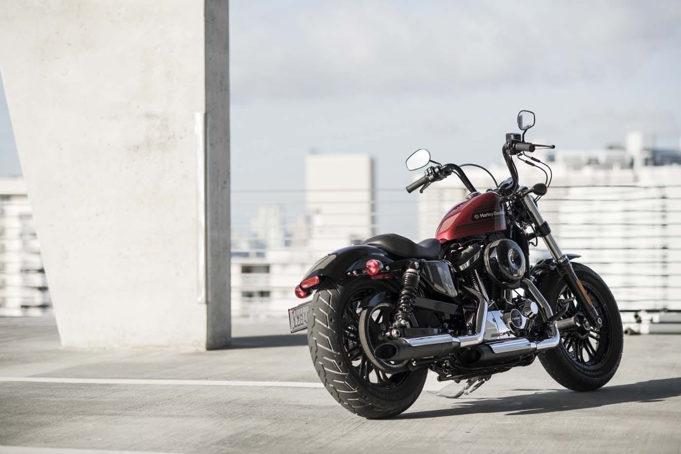 HARLEY-DAVIDSON FORTY-EIGHT SPECIAL AND IRON 1200 SPORTSTERS 29