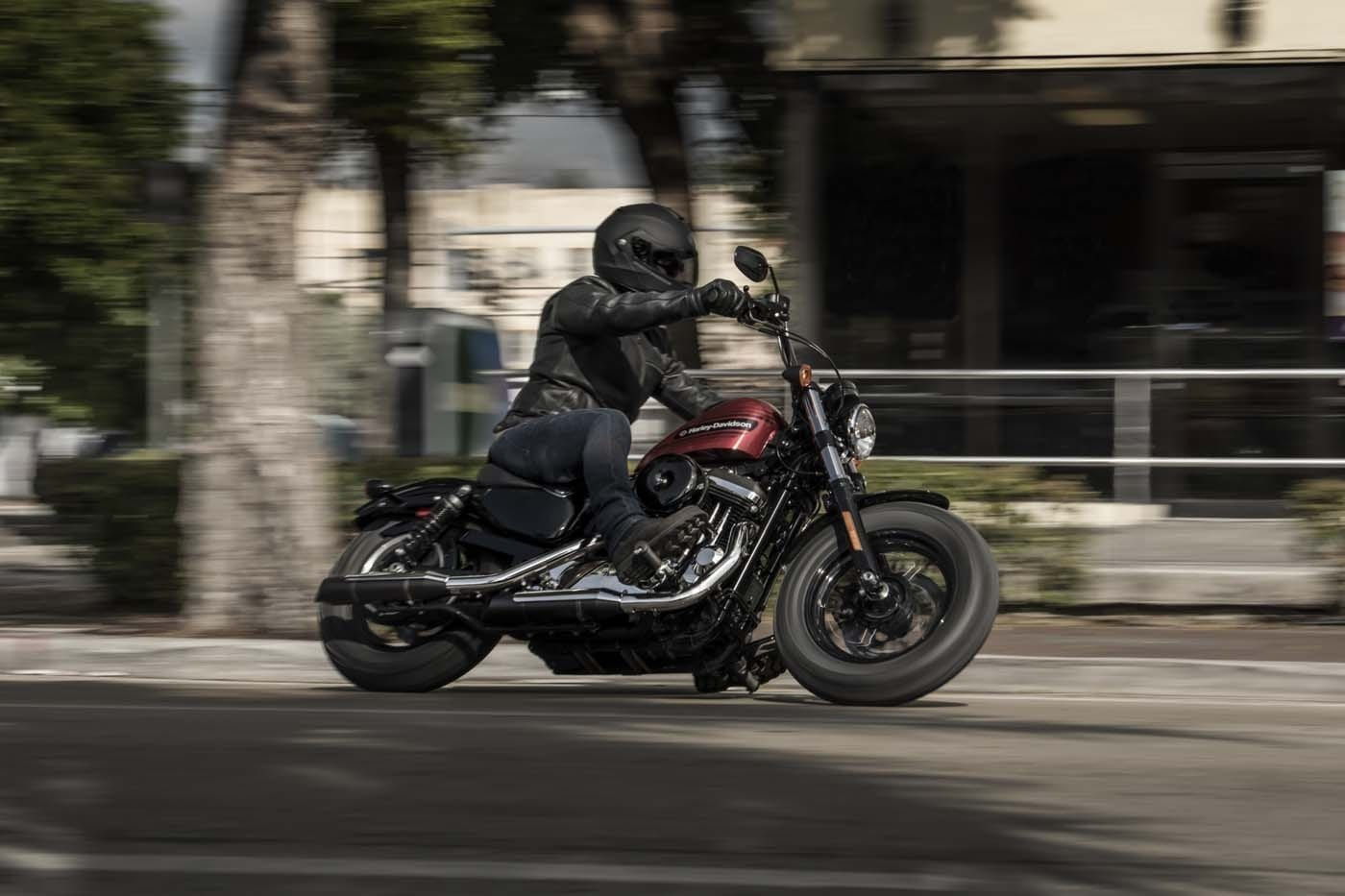 HARLEY-DAVIDSON FORTY-EIGHT SPECIAL AND IRON 1200 SPORTSTERS 24