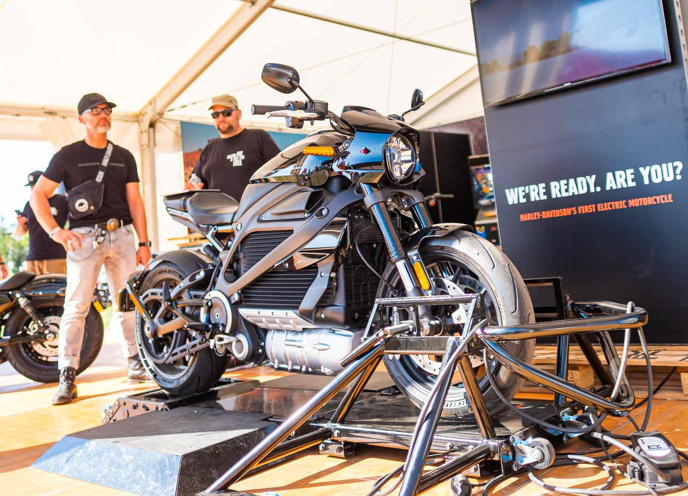 2019HD28 Harley Days Dresden Review 37
