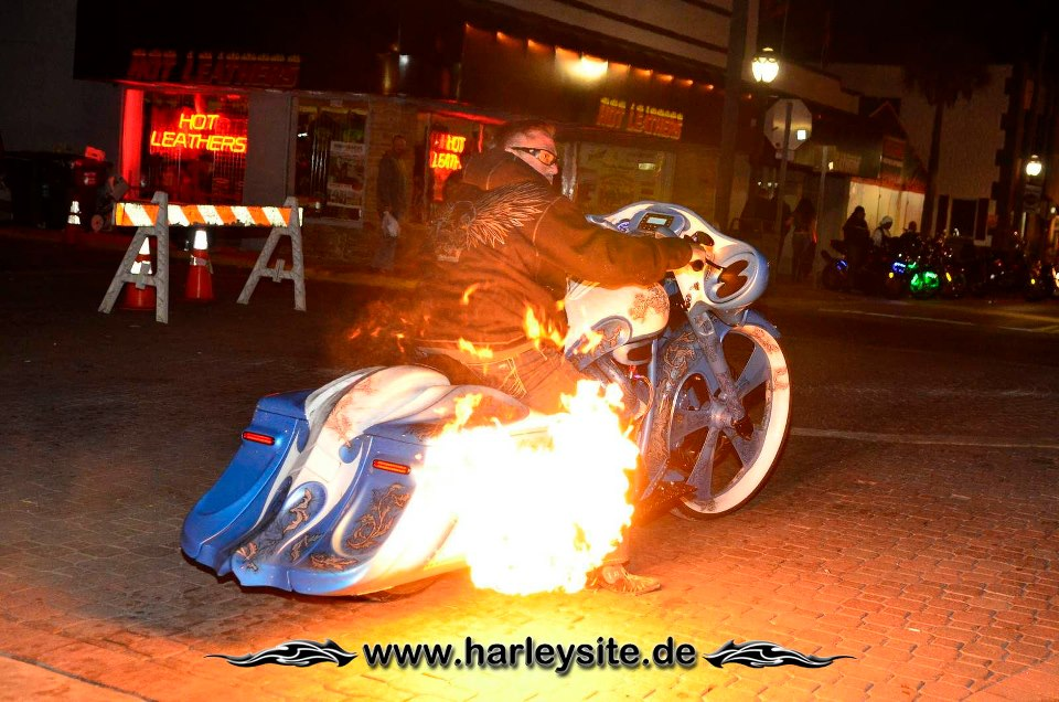 Flames on Bike auf der Daytona Bike Week