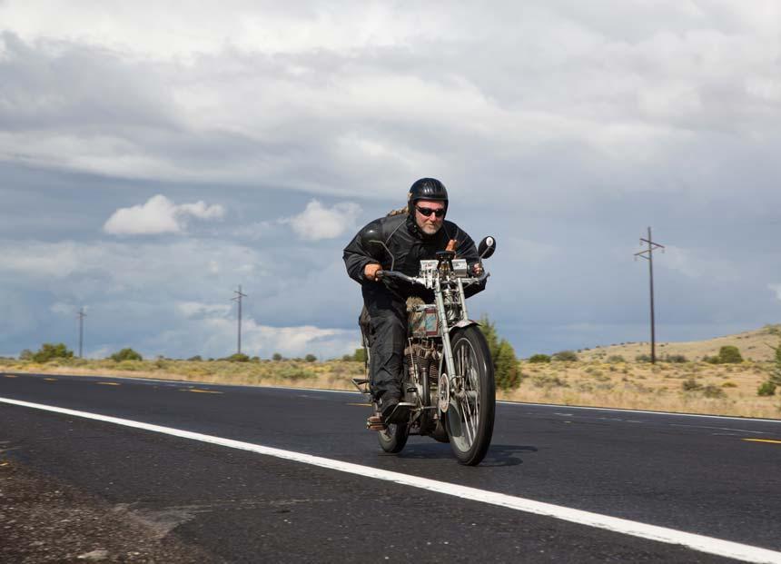 """Harley-Factory Frankfurt nahmen auf historischen Harleys am amerikanischen """"Cannonball"""" teil"""