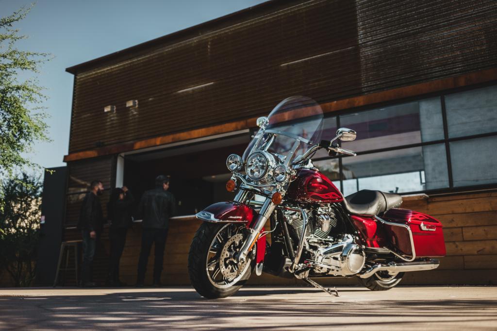 Die neue Harley-Davidson Road King 2017 8