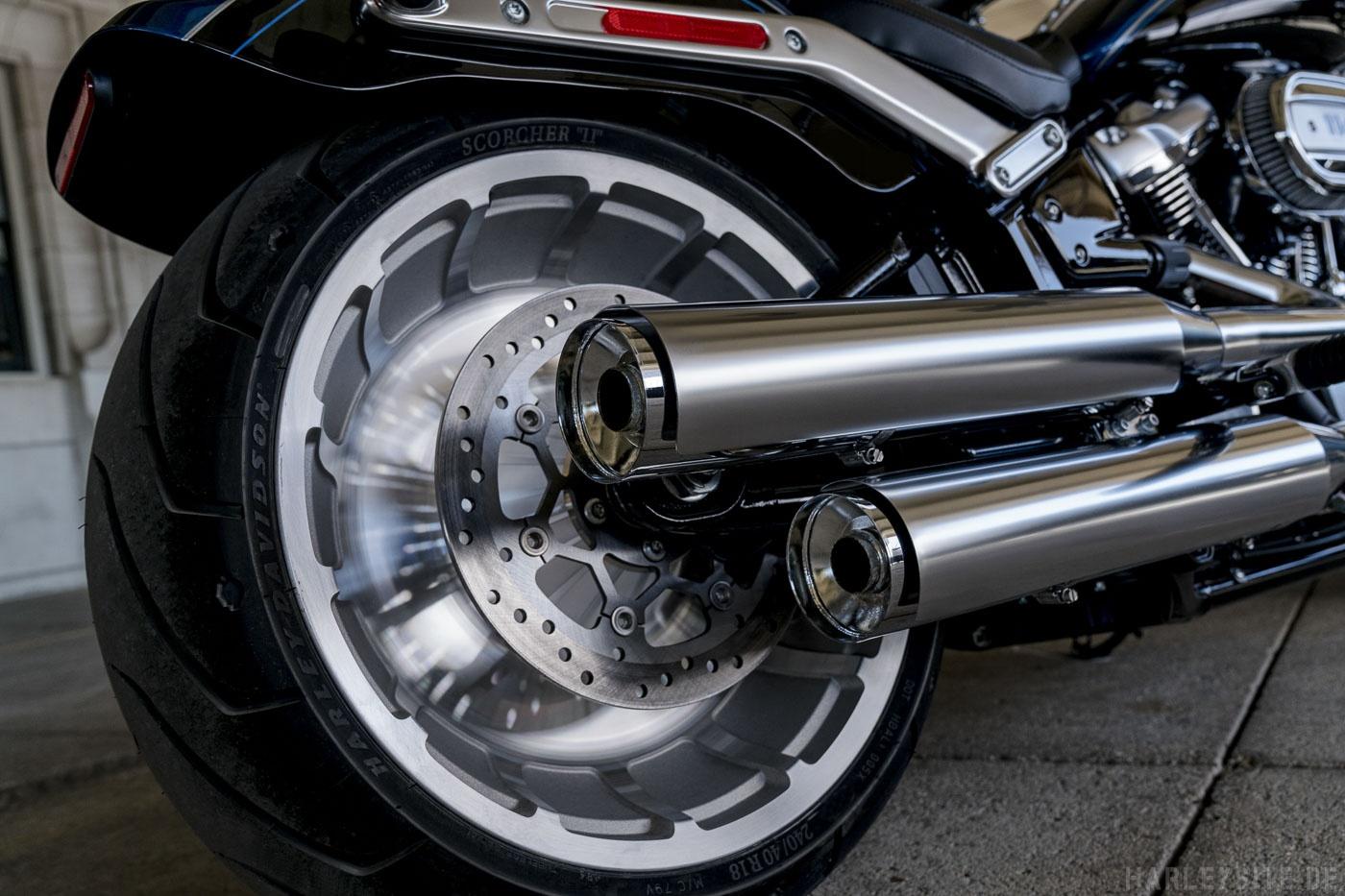 Harley-Davidson Fat Boy 114 Anniversary Softail Auspuff