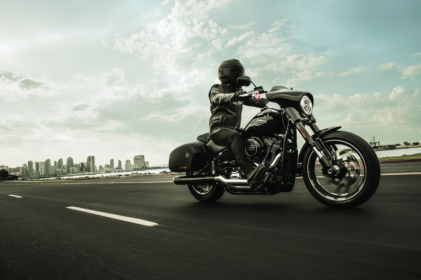 THE NEW HARLEY-DAVIDSON SPORT GLIDE