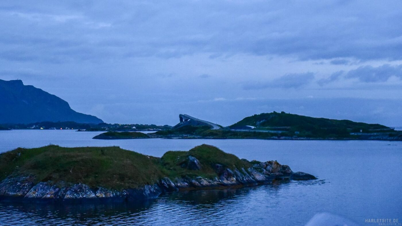 Ein Blick auf die Atlantic Road in Norwegen