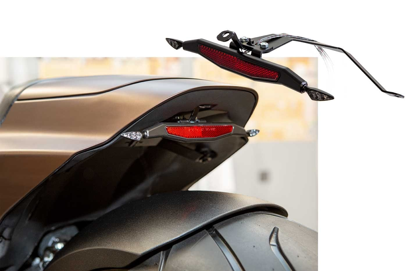 Blinkerhalter hinten Harley-Davidson FXDR 114