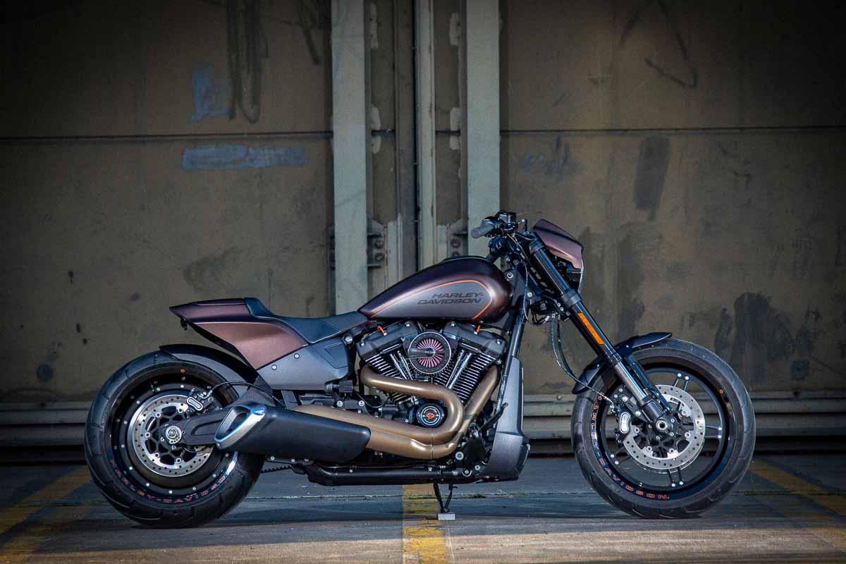Seitliche Ansicht Harley-Davidson FXDR 114
