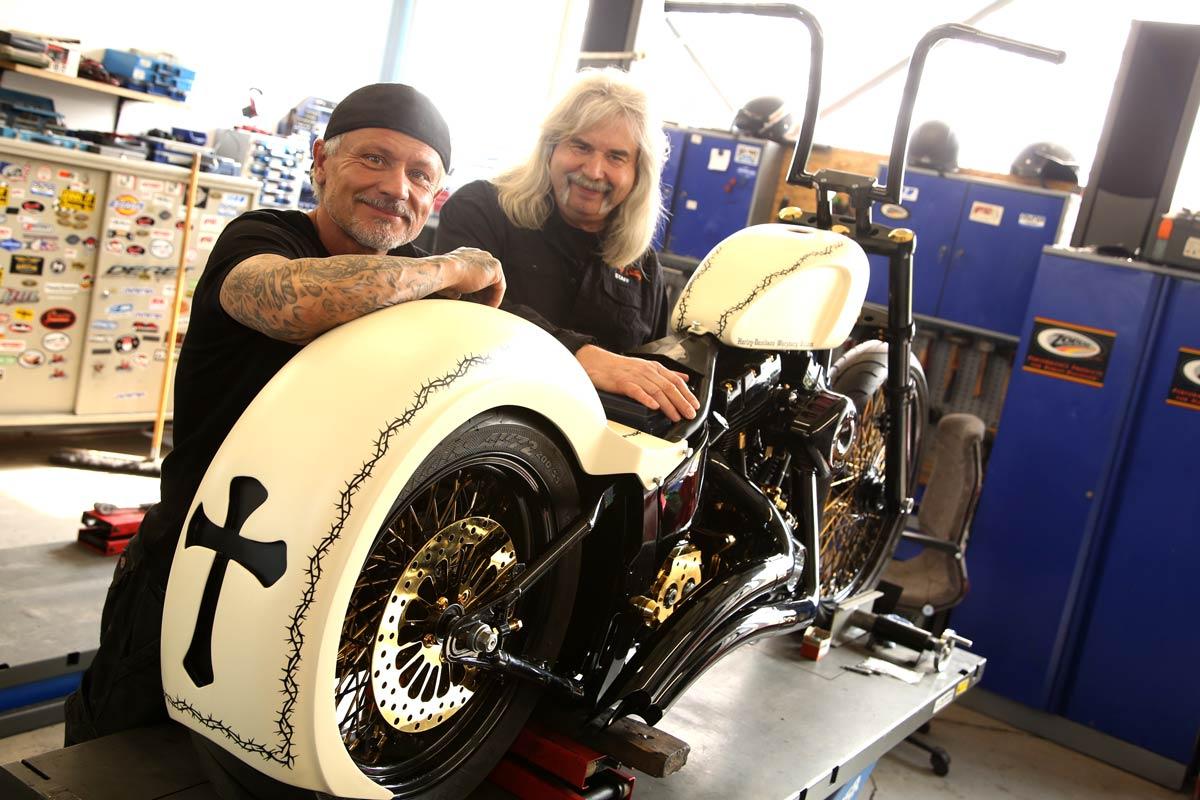 Harley-Davidson Würzburg Village baut ein Custombike für den Papst