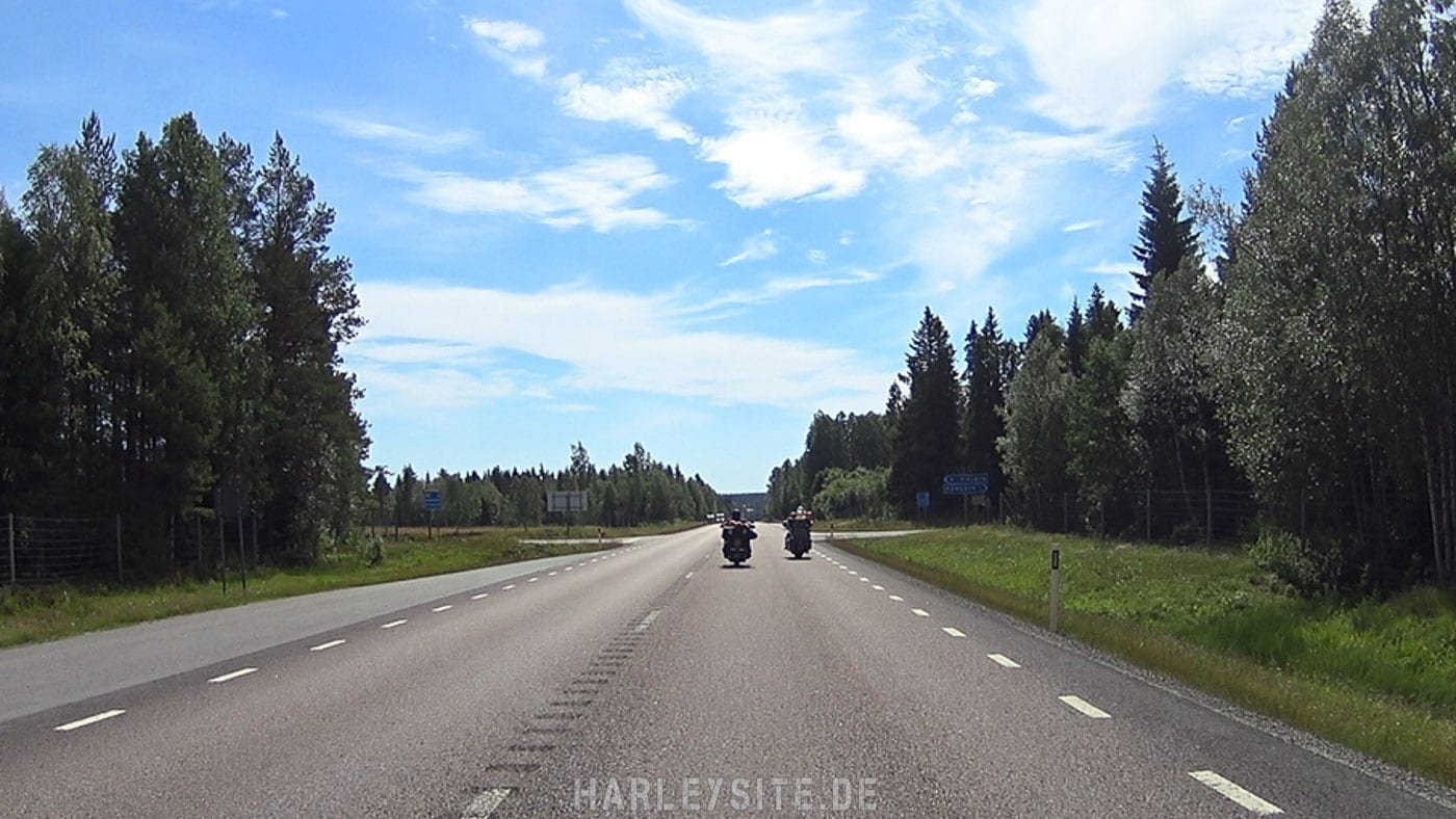 On the Road in Finnland