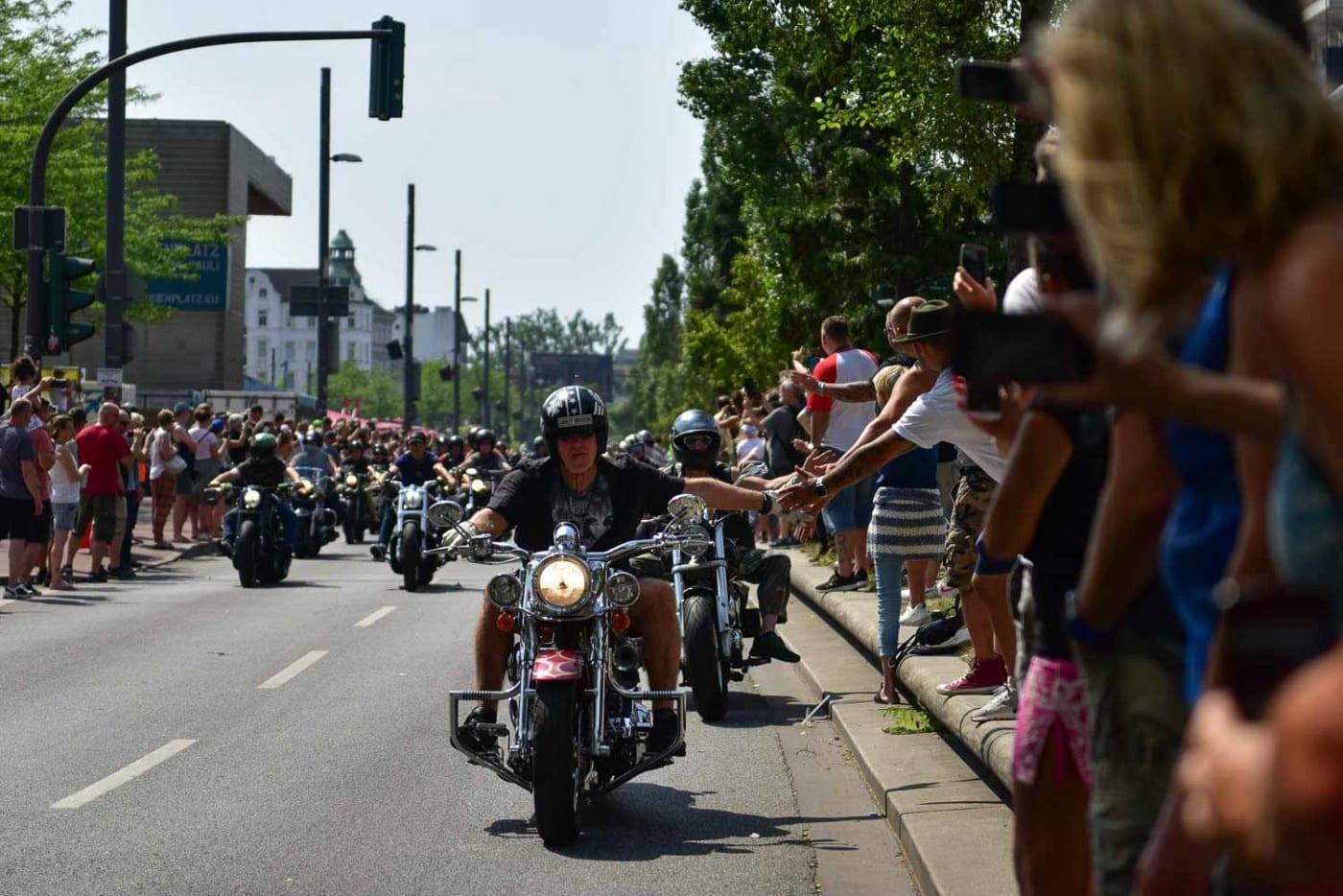 Bild von der Hamburg Harley Days Parade auf der Reeperbahn