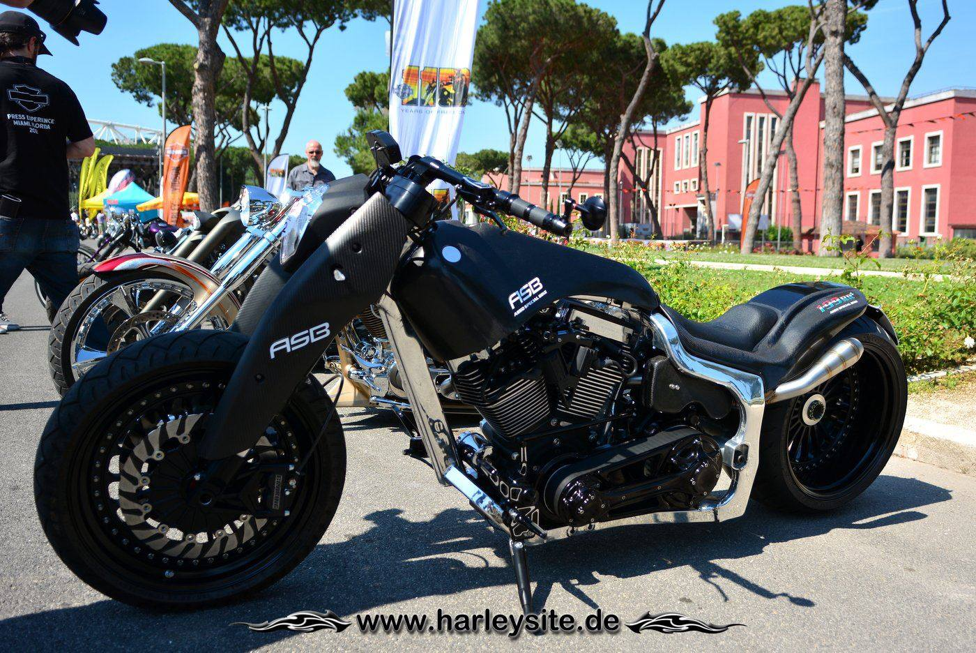 Harley Rom 110th 107