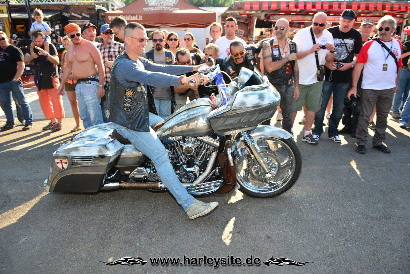 Harley Rom 110th 150