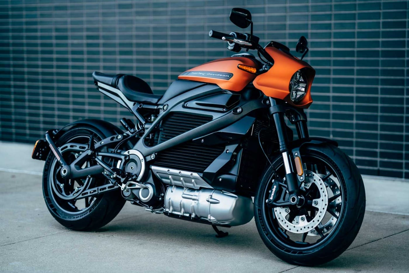 Zeigt eine Seitenansicht von der Harley-Davidson LiveWire