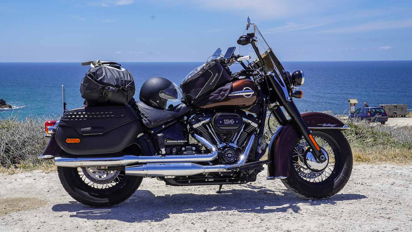Harley-Davidson Heritage Classic 114 FLHCS in der Seitenansicht
