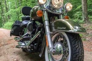 Auf dem Foto ist die Harley-Davidson Heritage Classic Modelljahr 2016 zu sehen