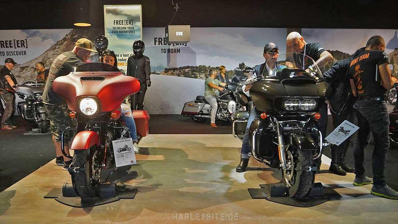 Zwei Harleys im Expo Zelt am Faaker See