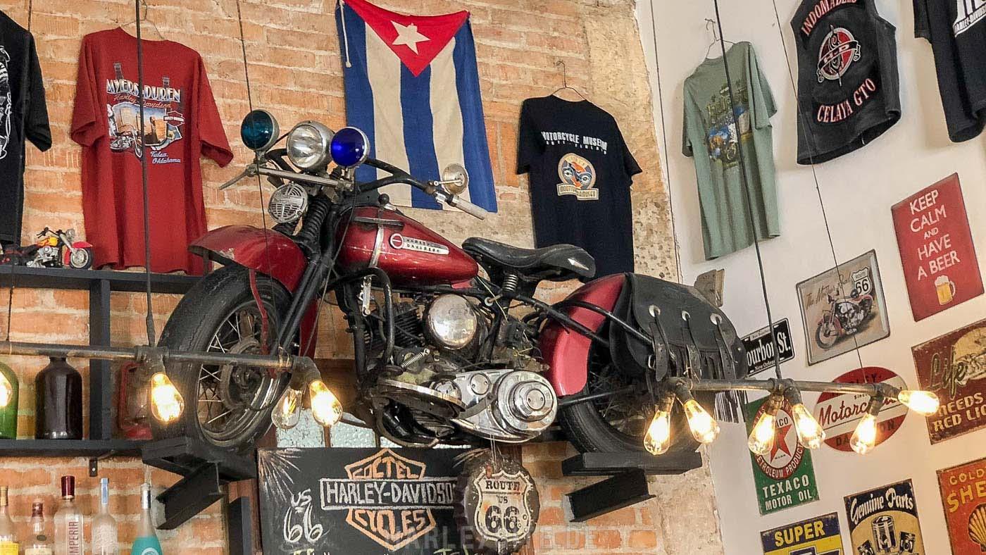Chacon 162, die Bar für Harley Biker