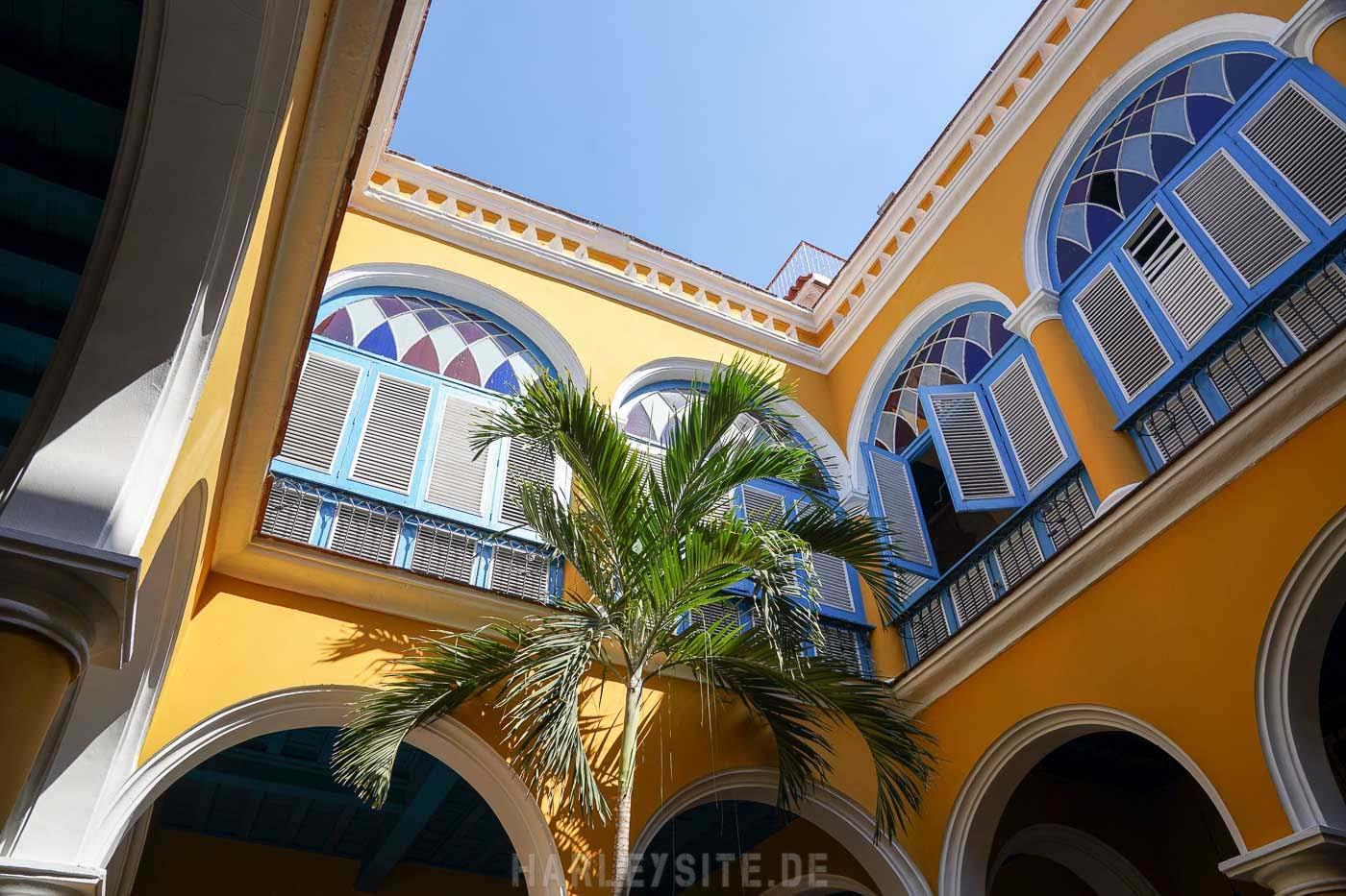 Ein Innenhof in Havanna