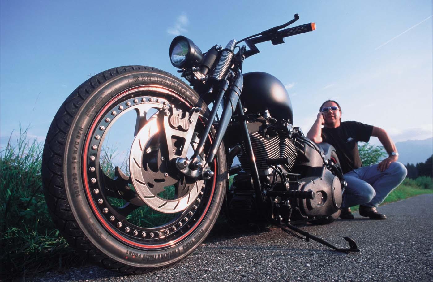 Rick vor seinem personal Bike TGIR 2002