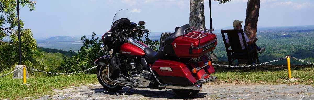 Harley-Davidson E-Glide auf Kuba