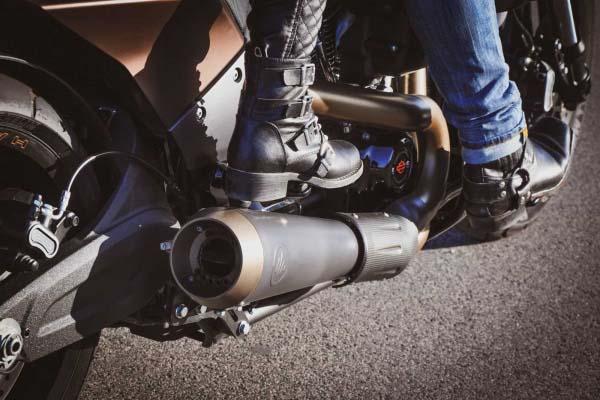 KessTech Fußrastenverlegekit für die FXDR 114