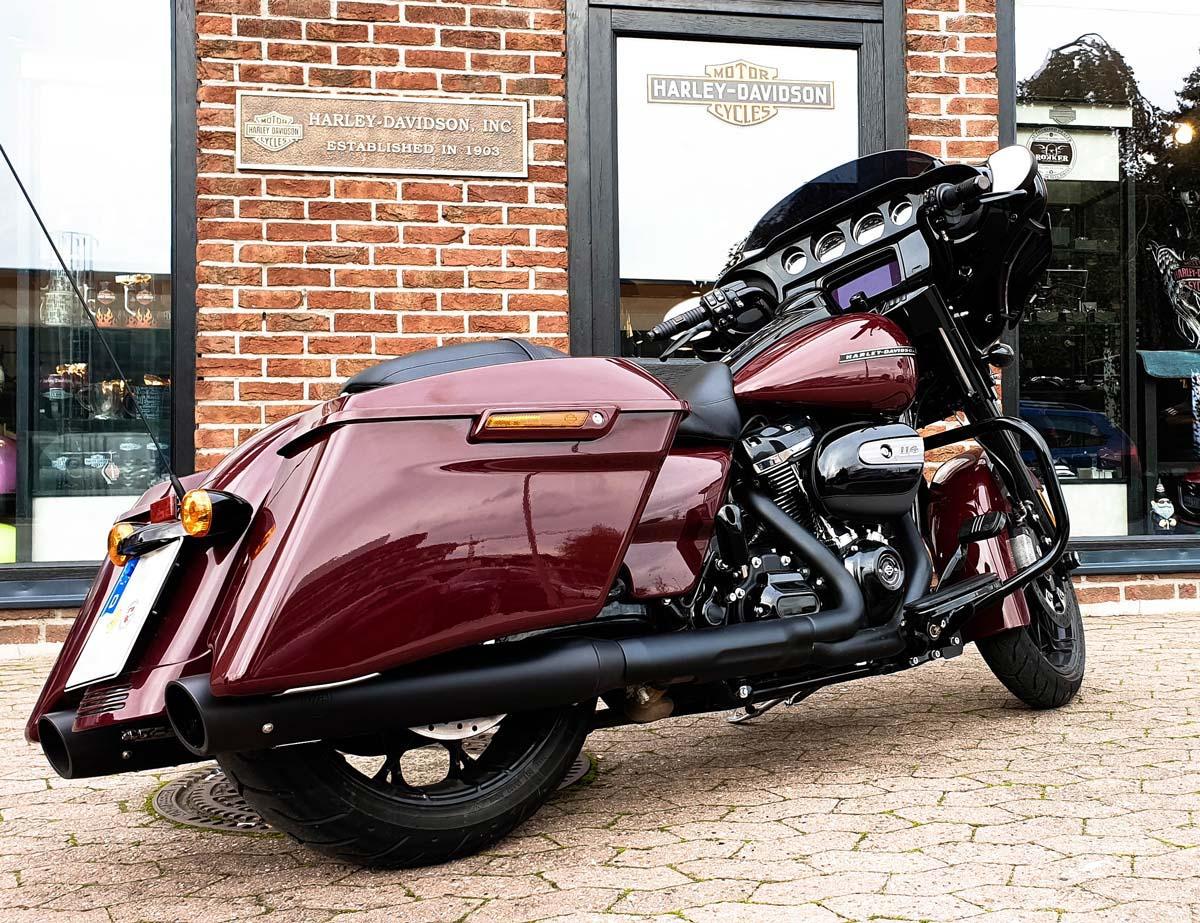 Harley-Davidson_Tourer_mit_KessTech_Auspuffanlage_2020