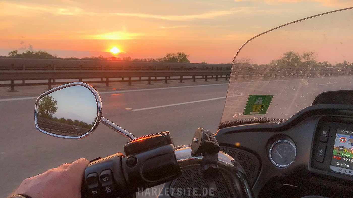 Auf der Autobahn von Köln nach Hamburg