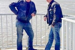 Mein Kumpel Hermann und ich, genießen das Wetter an der Nordsee