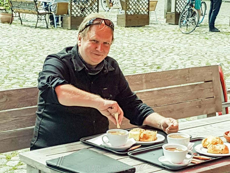 Frühstücken in der Niebüller Backstube in Friedrichstadt