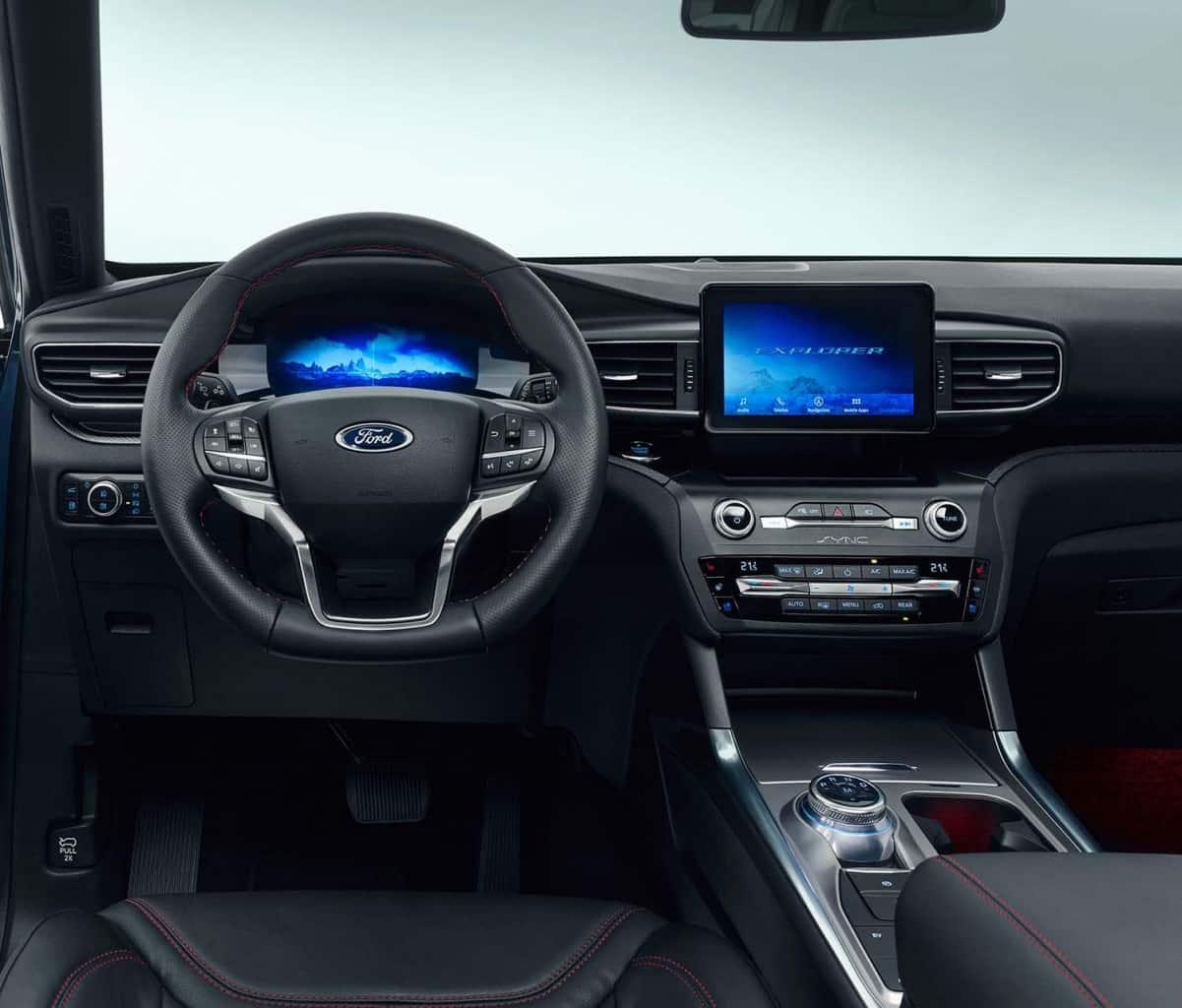 Cockpit 2019 Ford Explorer Hybrid