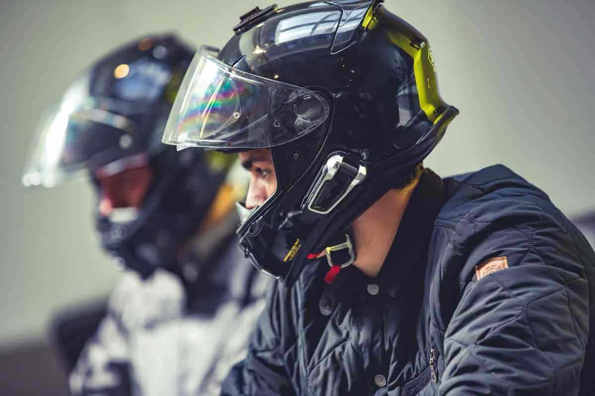 Hertz Ride kooperiert mit Cardo Motorrad-Kommunikationssysteme
