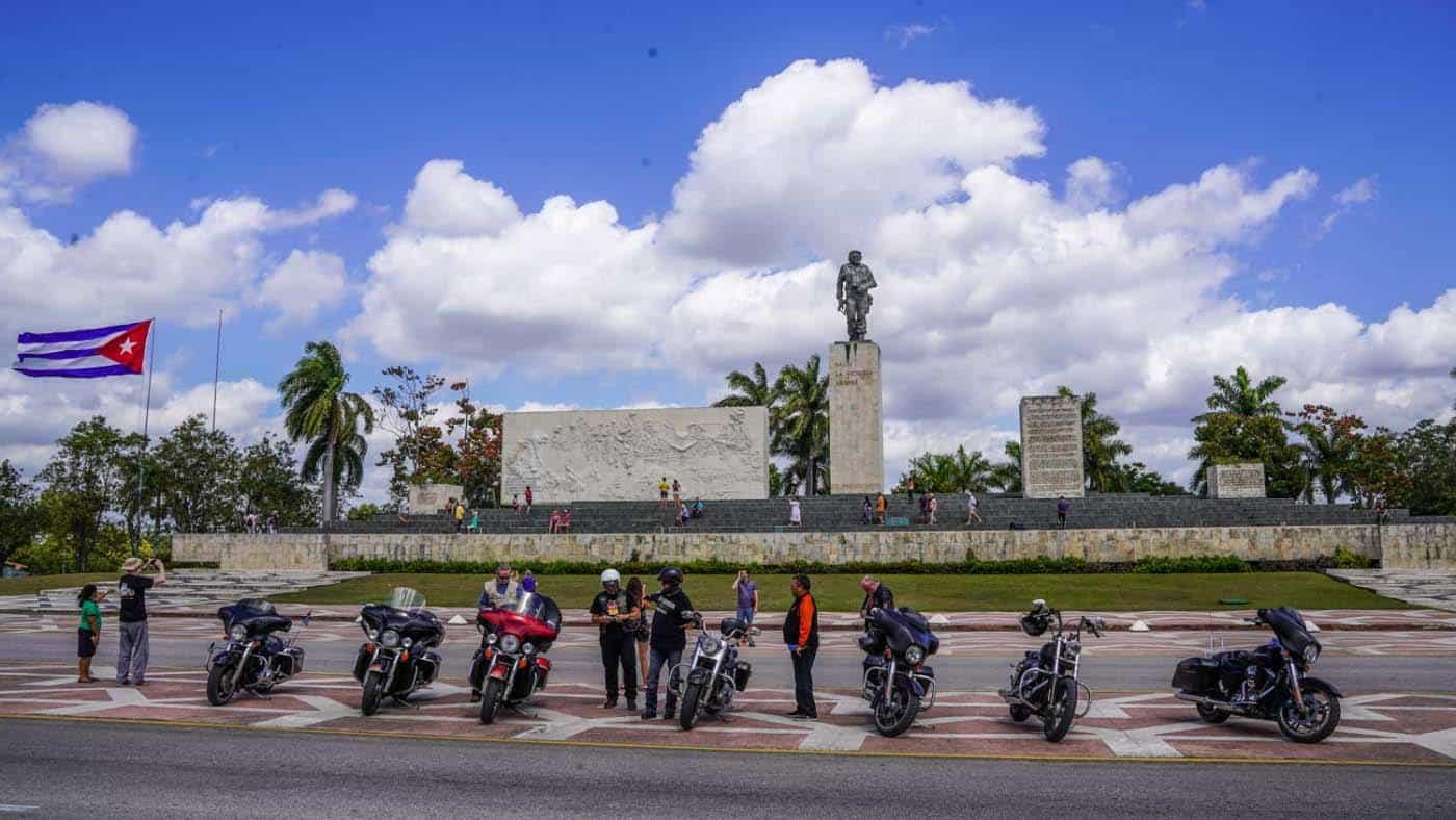 Mit den Harleys In Villa Clara auf Kuba
