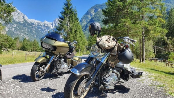 Auf der Harley mit V-Twin Tours In den Alpen unterwegs