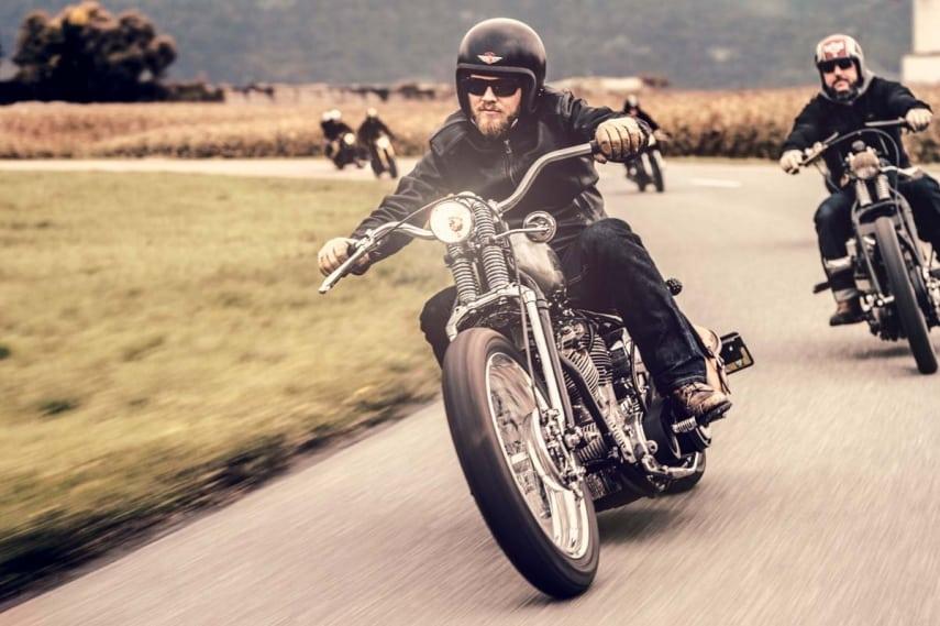 Die revolutionäre, einlagige ROKKERTECH Motorradjeans