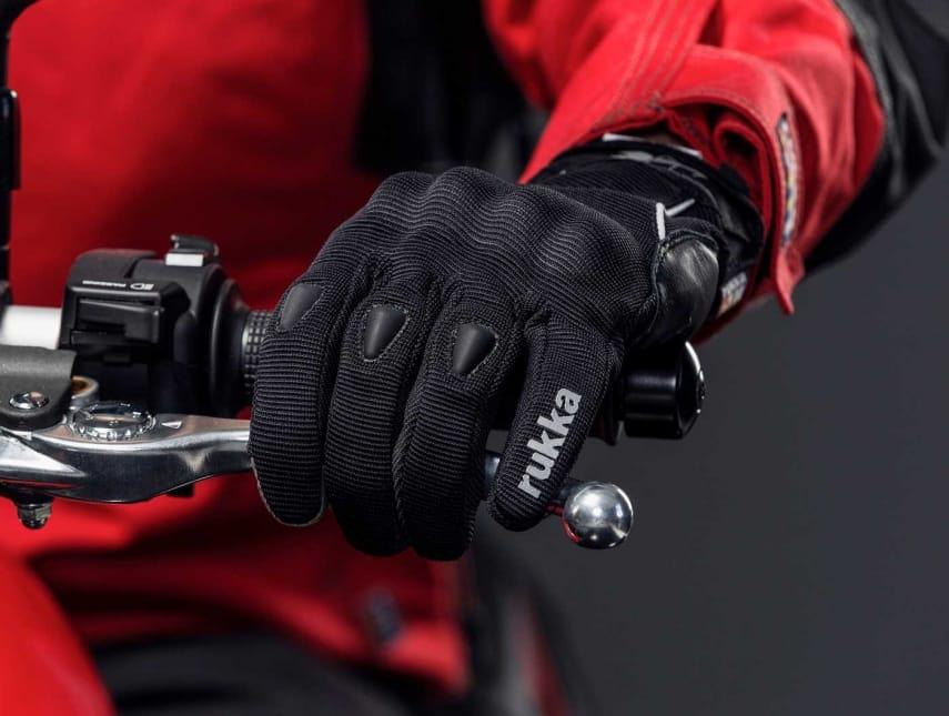 """Die Rukka Sommer-Handschuhe """"Airium"""" und """"Airi"""""""