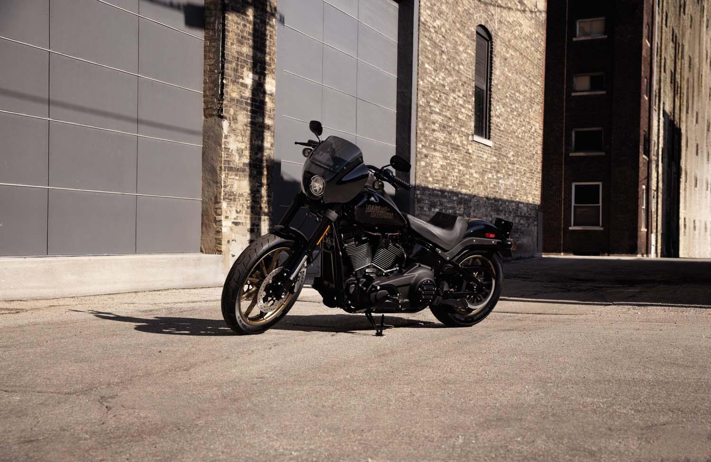 Zahlreiche Neuheiten im Harley-Davidson Katalog 2020 ...