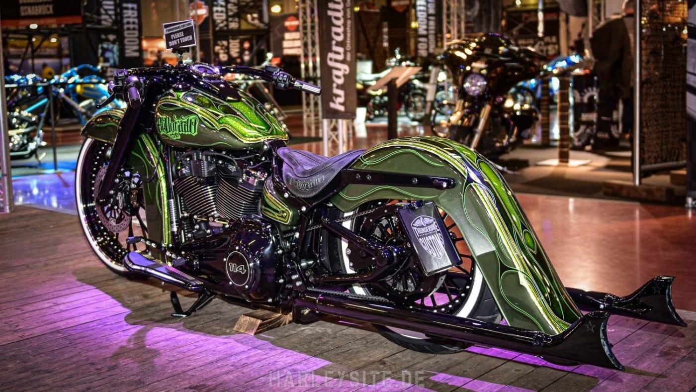 Der Thunderbike Chicano Style mit flachem Lenker