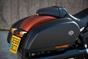 Koffer an der harley-Davidson Sport Glide 2020