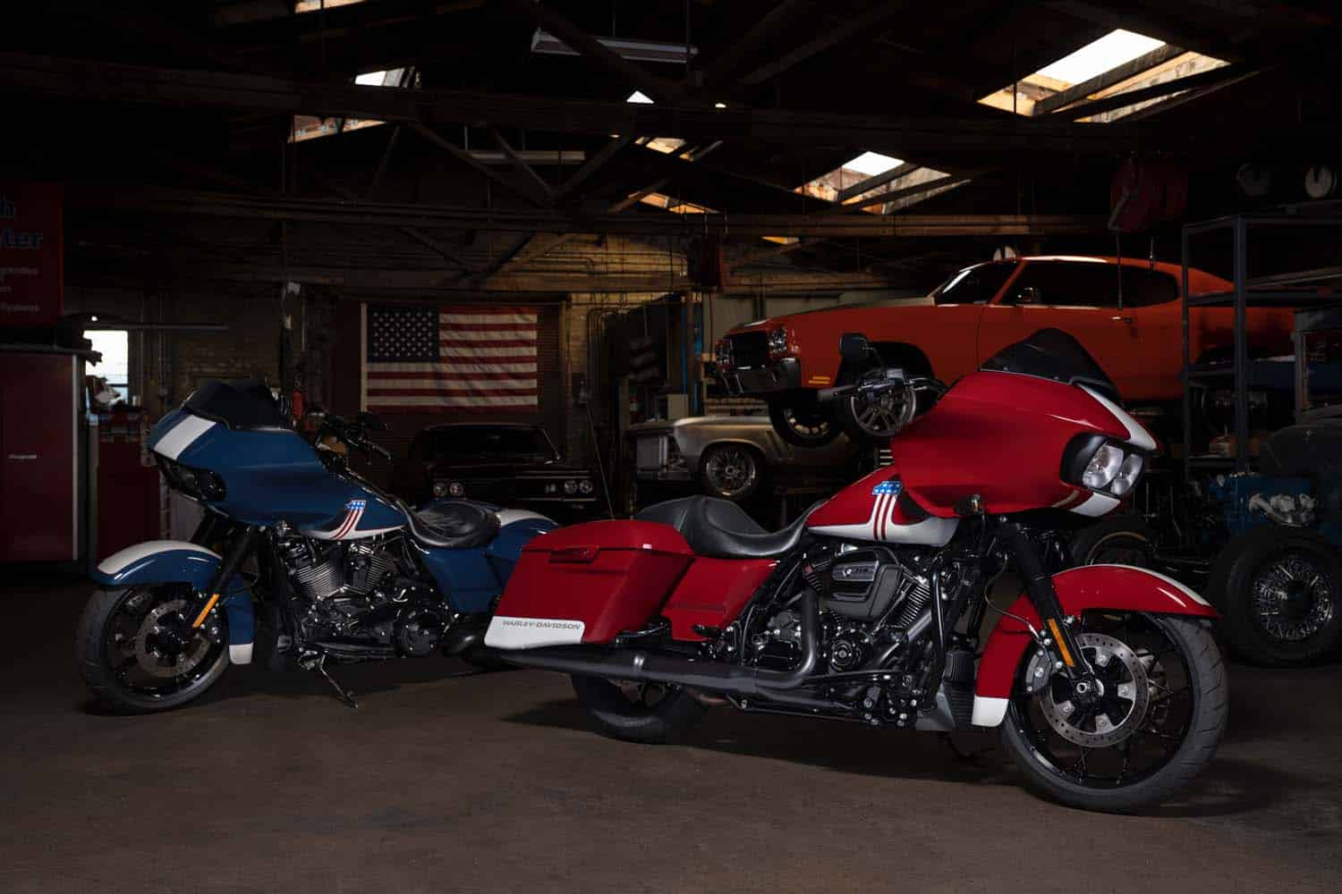 Road Glide Special Blue & Billiard Red and Stone Washed White (Special Edition)