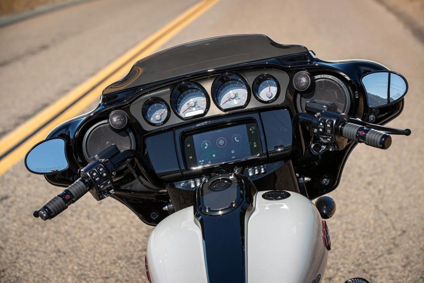 Cockpit Harley-Davidson CVO 2020