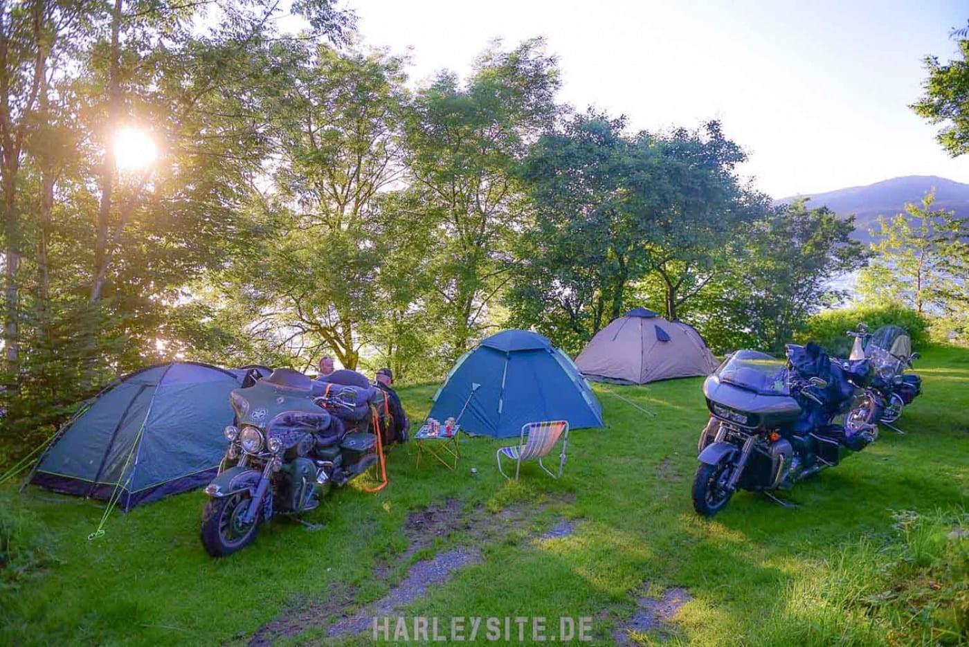 Zelten in Norwegen - Motorradfahrer sind mit der Natur mehr verbunden, als man denkt.