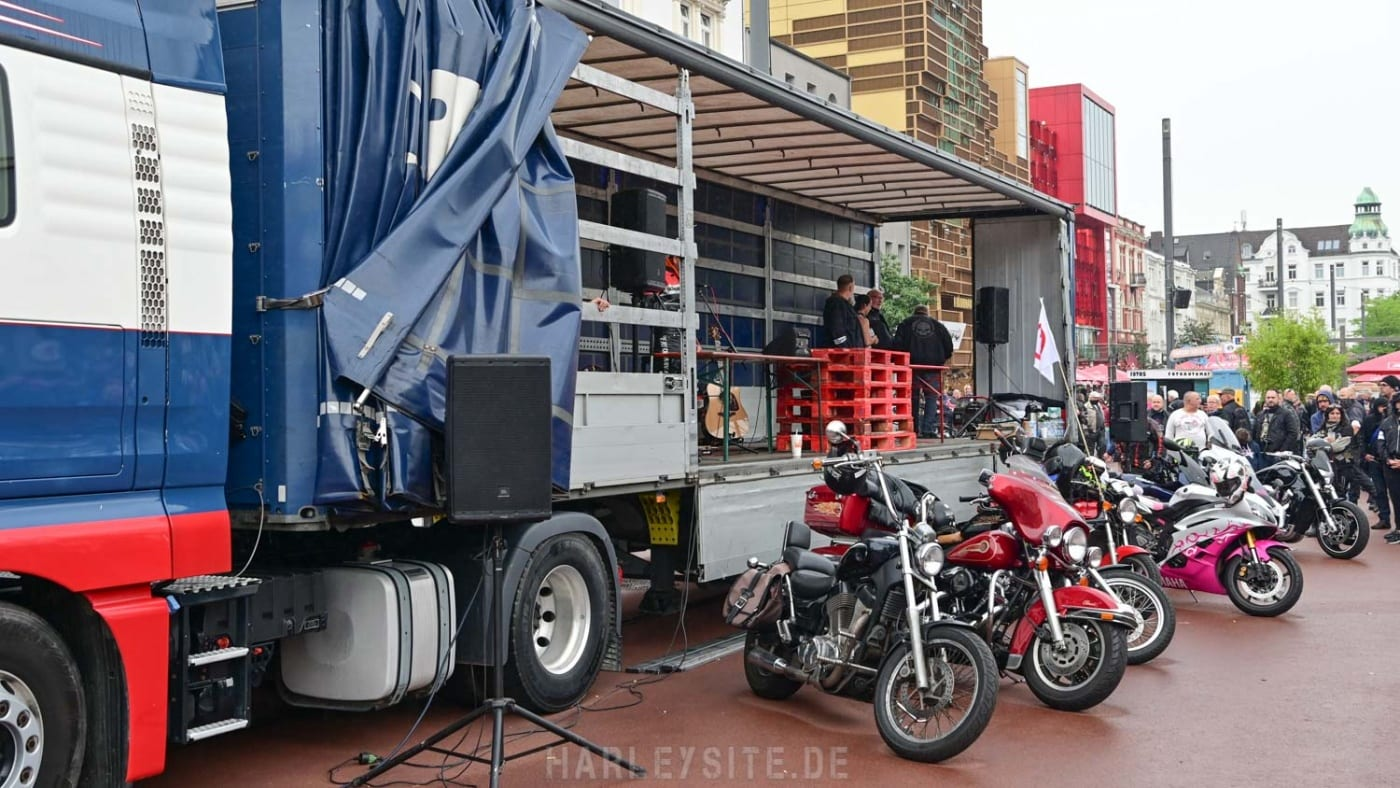DEMO GEGEN MOTORRAD-FAHRVERBOTE HAMBURG 13