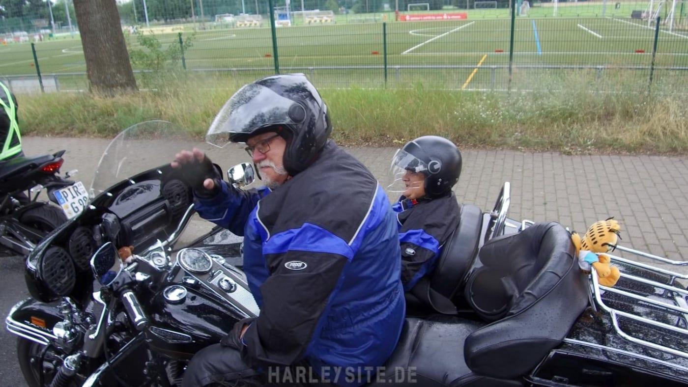 Biker-Ehepaar auf der Motorrad Demo in Dresden