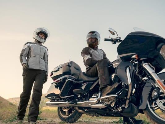 Vanocker Jacke und Helm