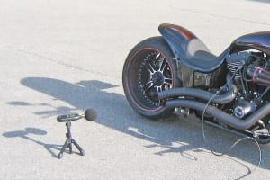 Sichergestelltes Motorrad bei der Lautstärkenüberprüfung