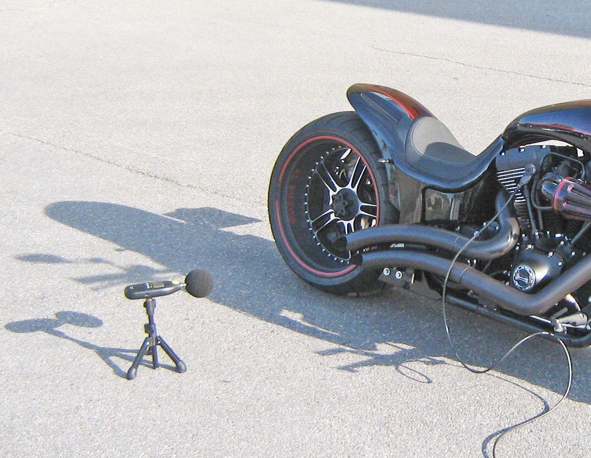 Polizei zieht überlaute Motorräder aus dem Verkehr