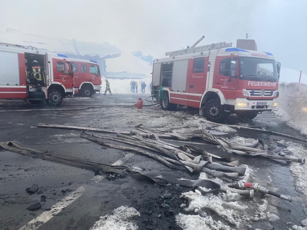 Camion dei vigili del fuoco utilizzati al Top Mountain Crosspoint