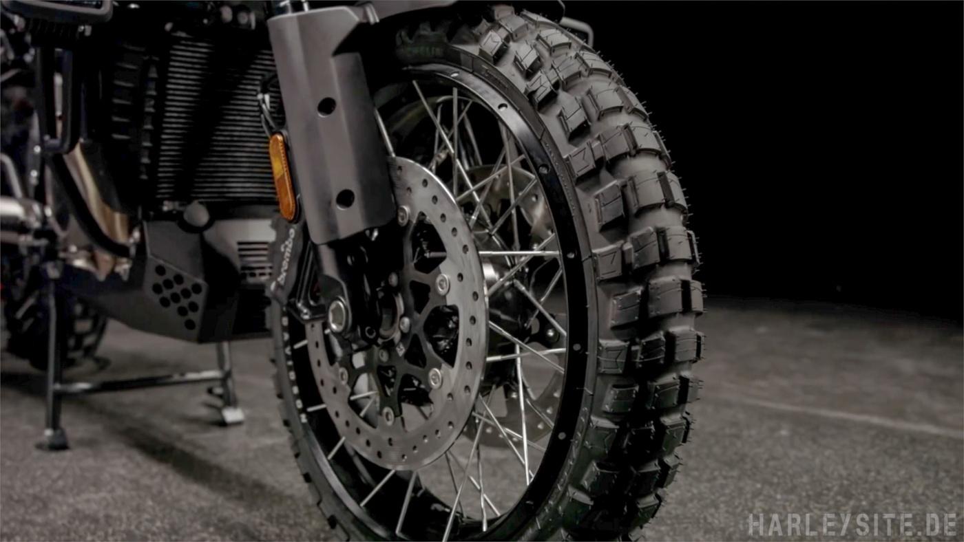 Der Harley-Davidson Michelin Anakee Wild Geländereifen für die  Pan America 1250