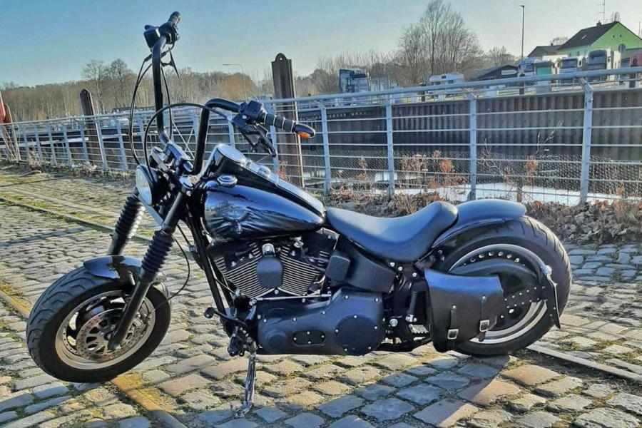 Uetersen – Harley-Davidson gestohlen