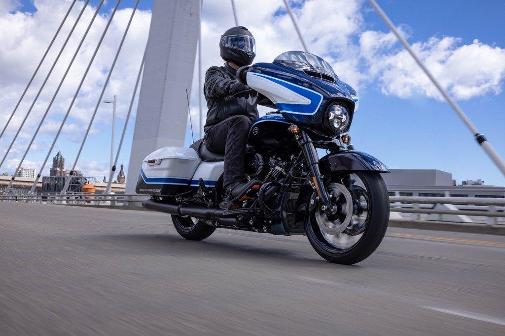 Harley-Davidson präsentiert die Street Glide Special in Arctic Blast 2